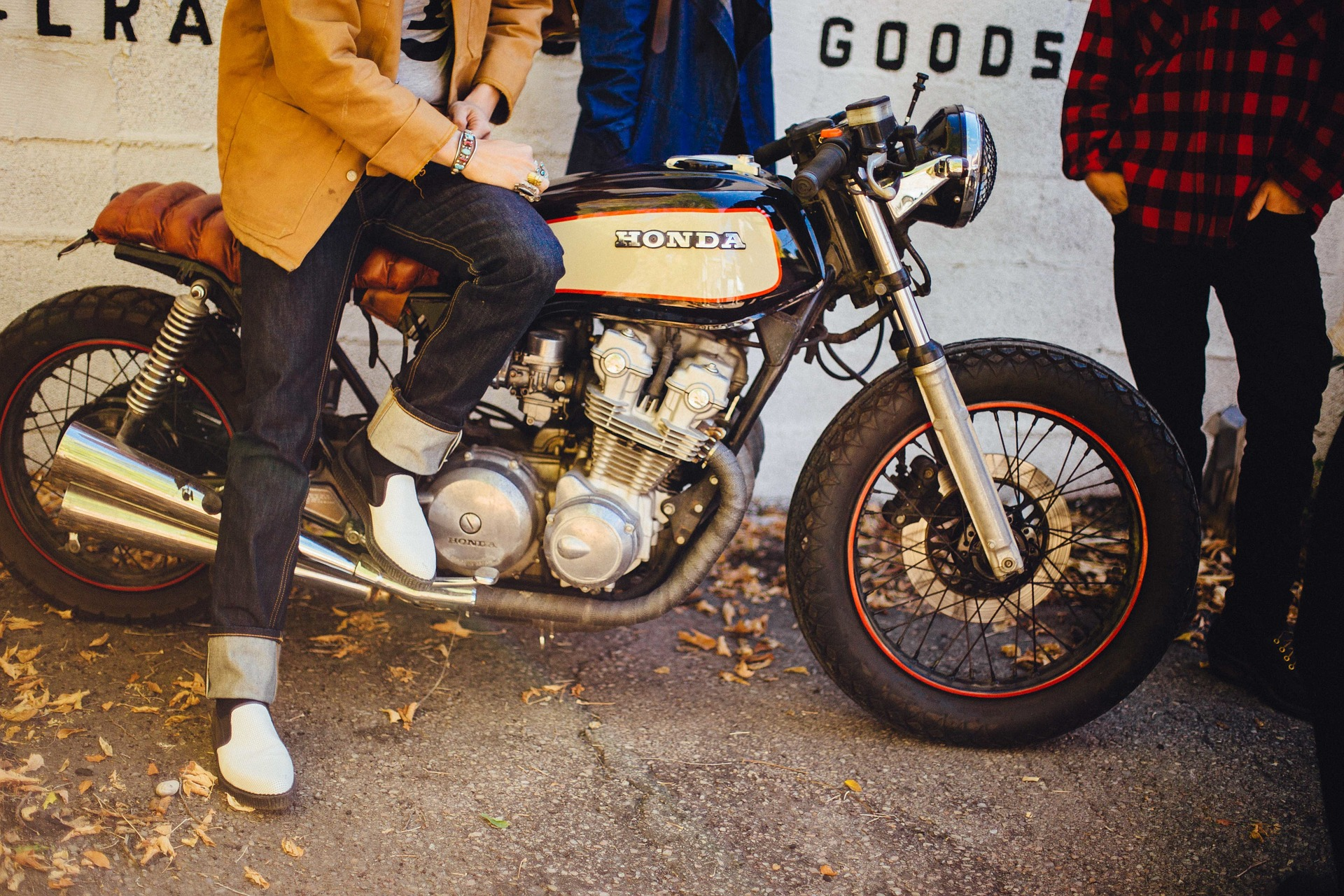Køb en caferacer motorcykel med et gratis lån